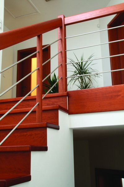 Cladding of concrete stairs