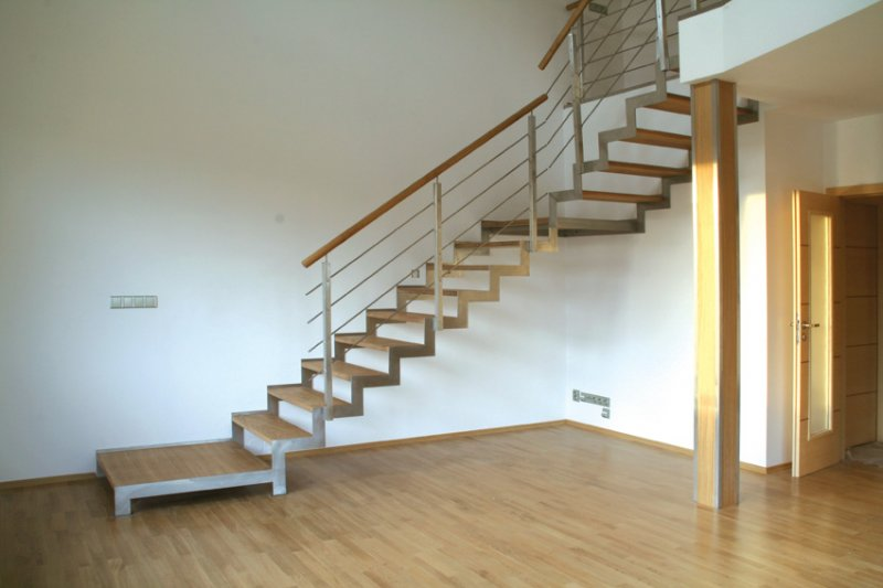 Side staircases